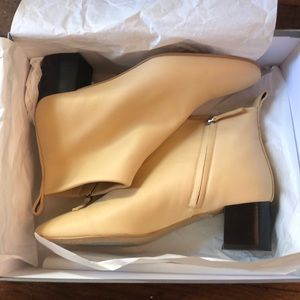 Everlane Leather Day Boots in Ecru